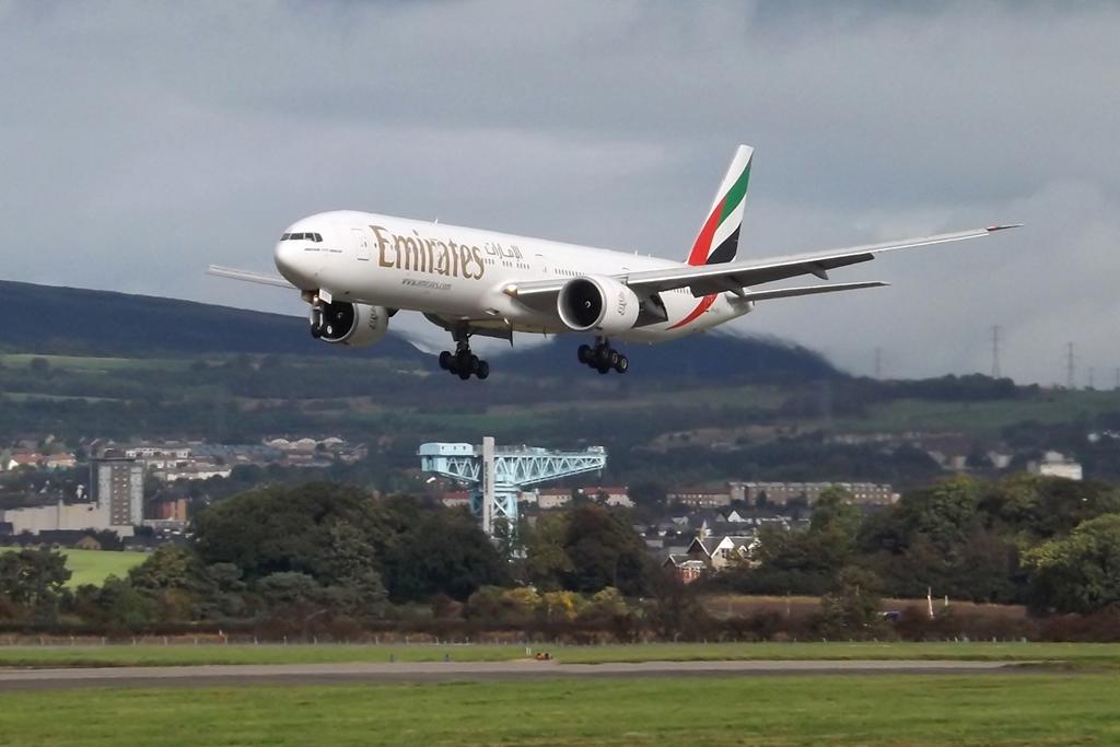 A6-ECX - B77W - Emirates