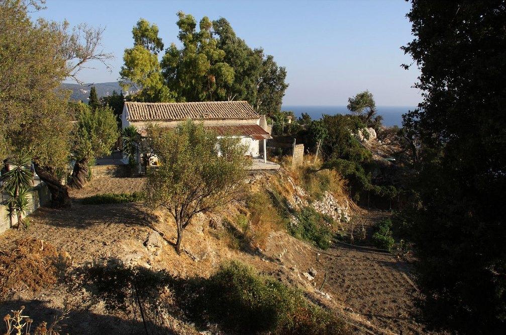 9. Casas de labranza en el interior de la isla. Autor, Ben Salter