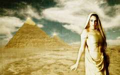 * The Magic Of The Pyramids *
