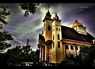 Gereja tampak samping