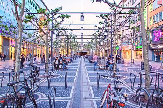 TOP_10_Must-See_Attractions_in_Frankfurt6