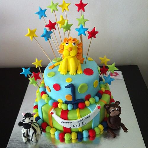 #1stbirthday #birthdaycake #animals #sugarart #sugarcake #sugarpaste #sekerhamurlupastalar by l'atelier de ronitte