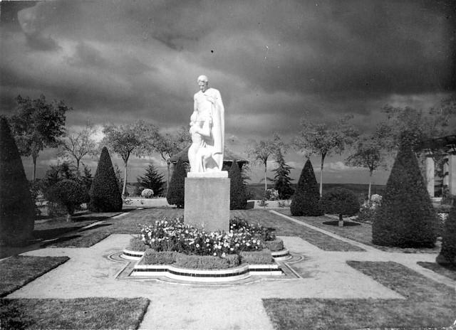 Palacio de la Sisla  en 1935. Fotografía Josep Gaspar i Serra © Arxiu Nacional de Catalunya. Signatura ANC1-23-N-1554