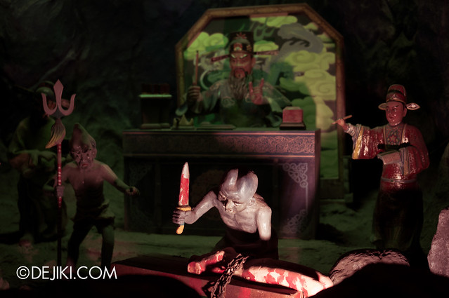 Haw Par Villa - inside ten courts of hell 15
