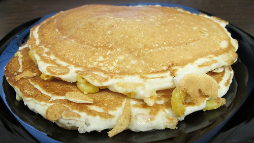 Mac & cheese pancakes by Coyoty