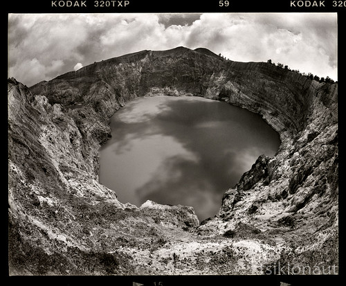 bw white mountain lake black flores 120 film blanco water analog indonesia landscape asian island volcano asia hole pentax kodak drum scanner tx south trix negro dramatic scan east fisheye erosion professional formation mount round roll opening medium format pan analogue 6x7 southeast rim volcanic ultrawide 67 circular analogica 320 tectonic 火山 kelimutu 11000 インドネシア drumscan アジア txp озеро pmt 火山湖 آسيا أندونيسيا photomultipliertube индонезия scanview scanmate вулканическое البركانيةالبحيرة