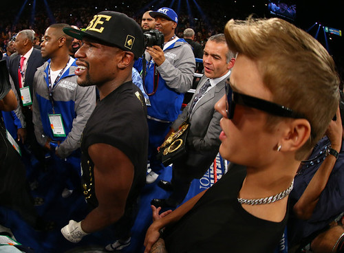 Justin Bieber and Lil' Wayne Walk Floyd Mayweather Jr. to the Ring In Las Vegas