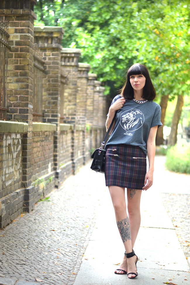 Check Print Royal Republic shirt Proenza Bag Outfit Blogger 7