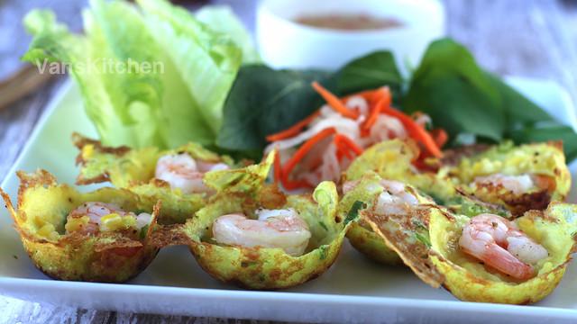 Bánh khọt -- Vietnamese savory mini pancakes