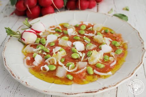 Ensalada-de-habas-tiernas,-tomate,-bacalao-y-rabanitos-(11)