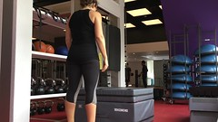 Today\'s training features my mortal enemy: :package: jumps. I\'m determined to get over my fear of them... so, after hip thrusts, I put in this fun tri-set starting with 45cm box jumps.
