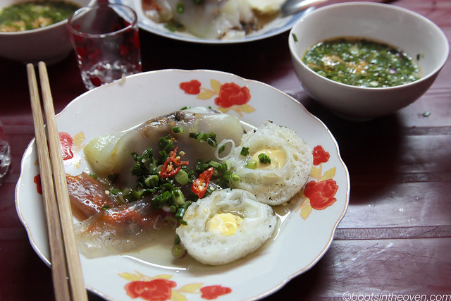 Bánh Căn served with Bánh lọc (holy hell delicious)