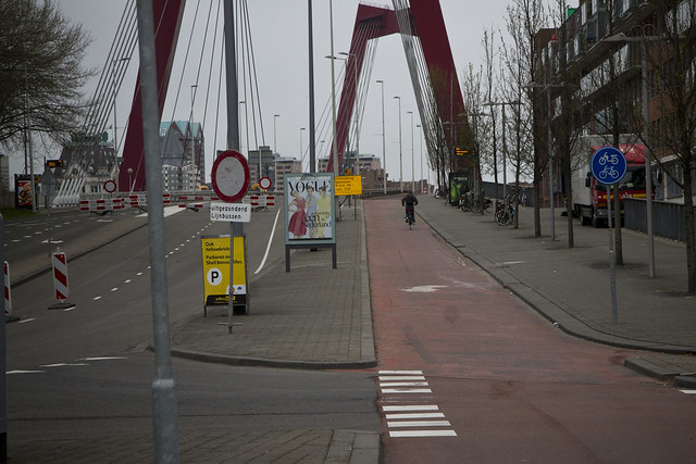 Rotterdam Cycle Track on Bridge_1