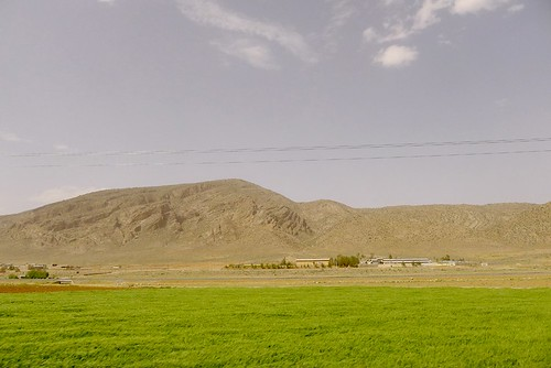yazd-shiraz-L1030121