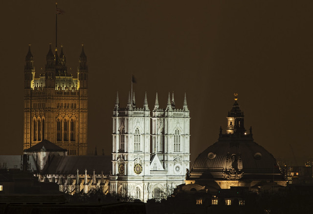 Iconic buildings in London at night
