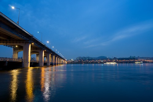 bridge night zeiss river evening cloudy may seoul 24mm 한강 distagon 반포대교