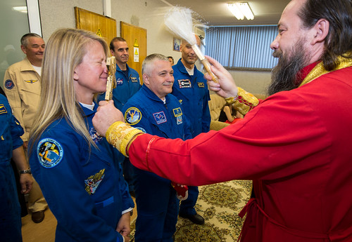 Expedition 36 Crew Blessing (201305280004HQ)