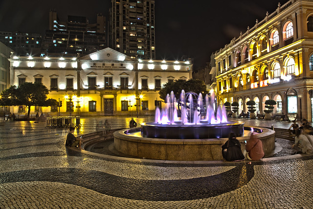 Senado Square - Flickr CC lmlienau