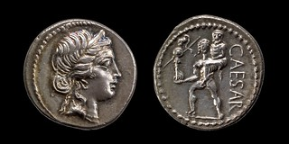 458/1 Julius Caesar Denarius CAESAR. Venus, Aeneas carrying father Anchises and palladium. Winckless collection.