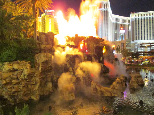 mirage volcano eruption vegas