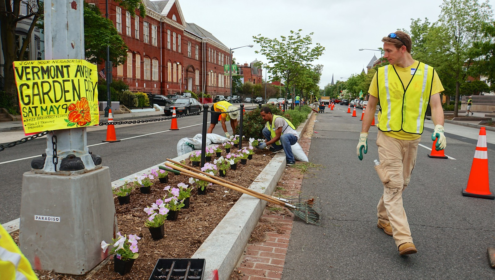 Photo Friday: Keeping Historic Vermont Avenue Beautiful, Washington, DC USA