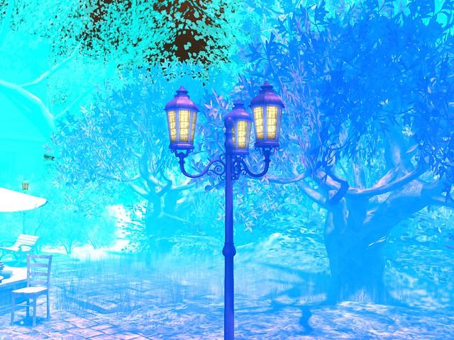 Flux Sur Mer - Triple Street Lantern