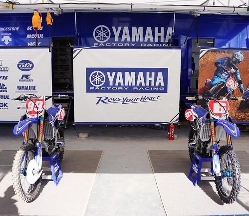 ヤマハのピット。レースに出場するモトクロスバイク。 #ヤマハバイク