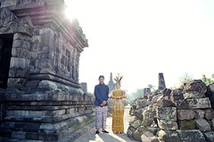 :couplekiss: outdoor prewedding photoshoot for Cis & Koko at Candi Plaosan Temple Klaten Jawa Tengah. Foto prewedding by @poetrafoto, http://prewedding.poetrafoto.com  Makeup by @dewian_derbyta || Follow IG: @poetrafoto for more pre+wedding photos update.
