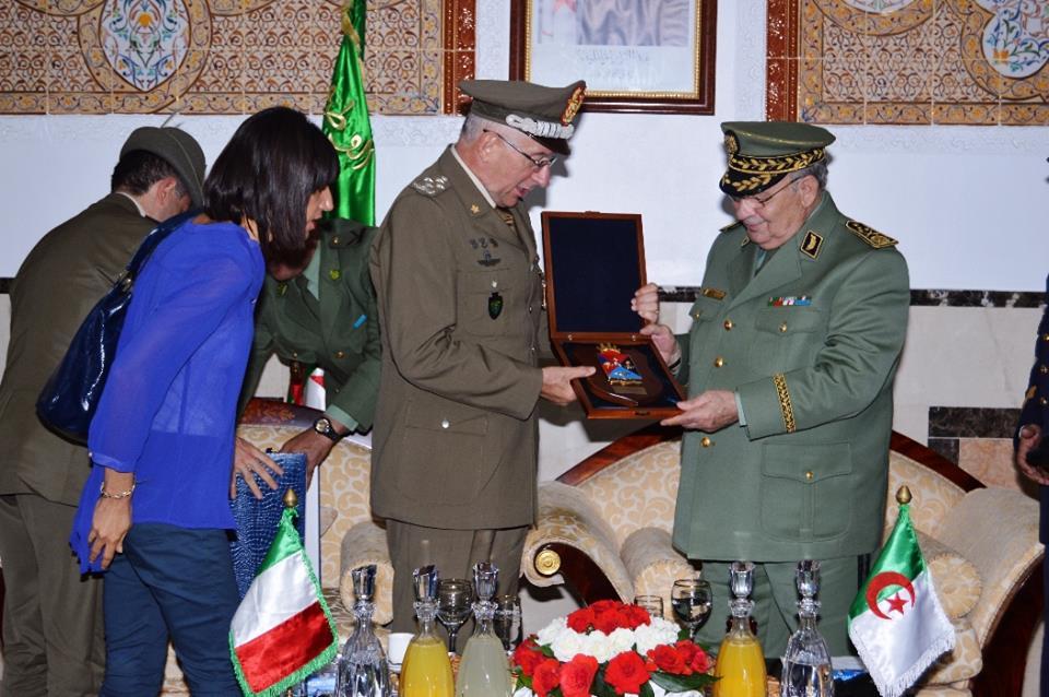 الجزائر : صلاحيات نائب وزير الدفاع الوطني - صفحة 5 30779770475_59856ac548_o