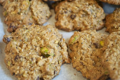 cookies with coconut, pistachios & chia 27