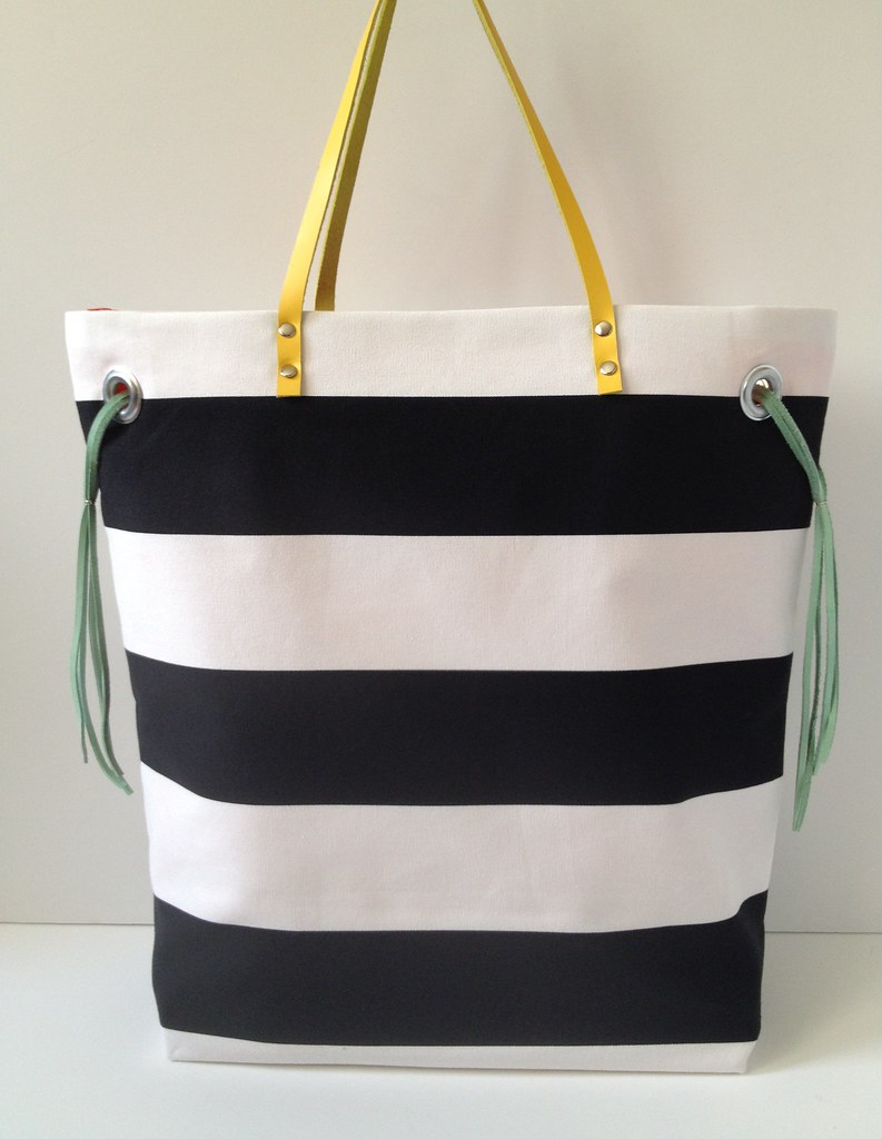 Stripe + Color Tote 17a