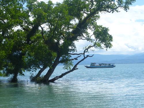 Moluques13-Seram- Masohi-baie (3)