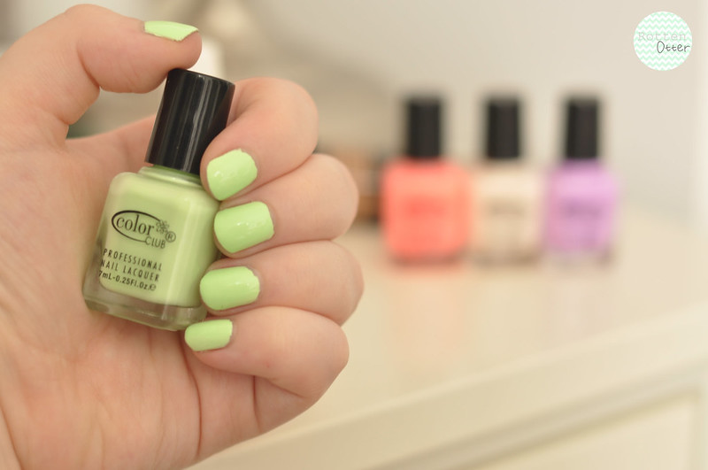 notd colour club london calling bright neon pastel green nail polish rottenotter rotten otter blog