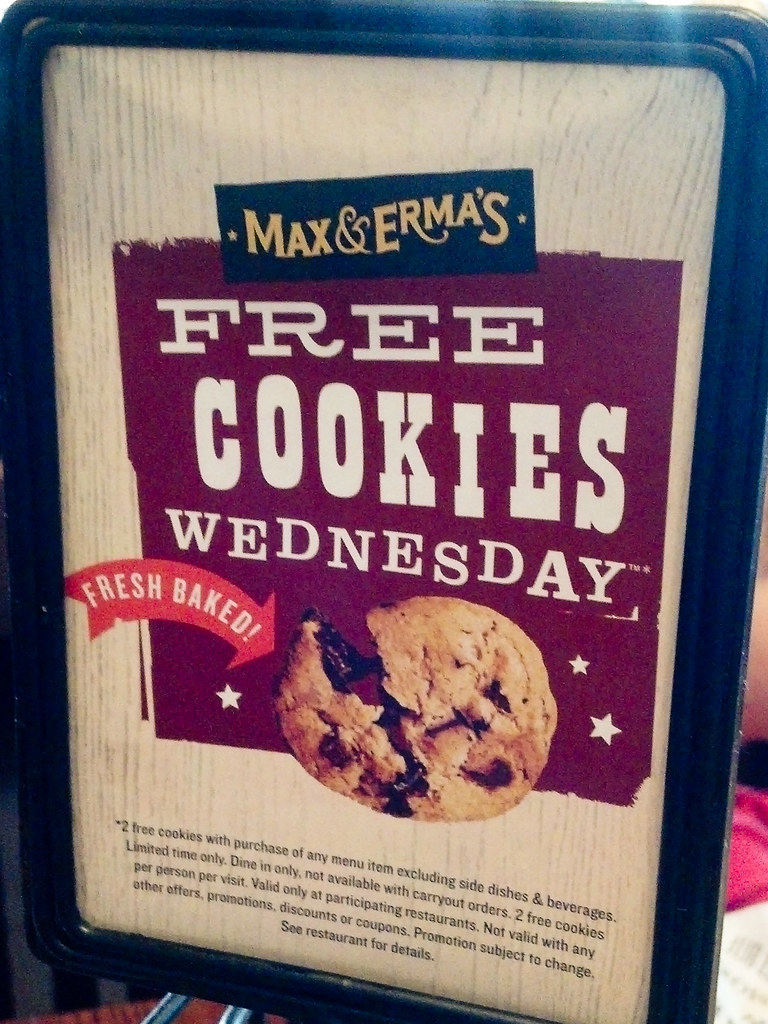 three words: free cookies. giveaway.