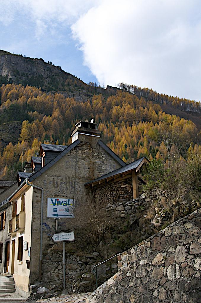 3. La entrada al pueblo de Gavarnie. Autor, Drumsara