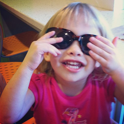 """Mama, I wear you sunglasses!"""
