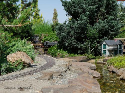 Maple Rock Gardens, California