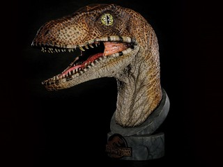 Chronicle Collectibles 侏羅紀公園【迅猛龍】Jurassic Park™ 1:1 Velociraptor 頭像作品