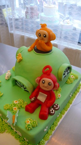 Telebubbie Birthday cake by CAKE Amsterdam - Cakes by ZOBOT