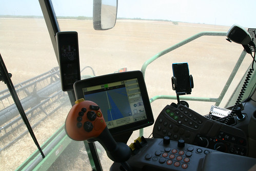 A view of the controls in the S670
