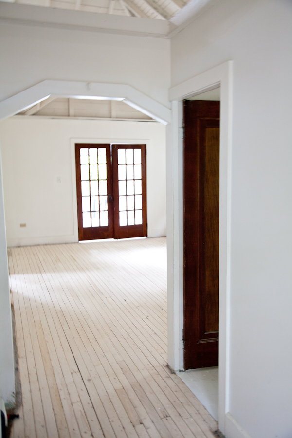 cottage_white_painted_floors-7