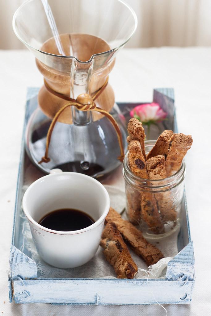 Biscotti albicocche secche e cioccolato bianco