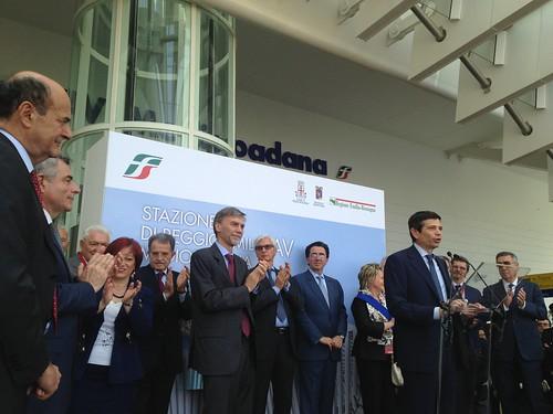 Ministro infrastrutture trasporti maurizio lupi inaugura stazione tav reggio emilia
