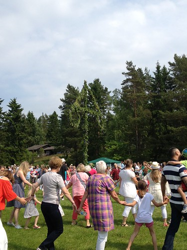 Midsummer dancing, Sweden