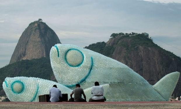 peces-gigantes-botellas-plastico-recicladas-diarioecologia
