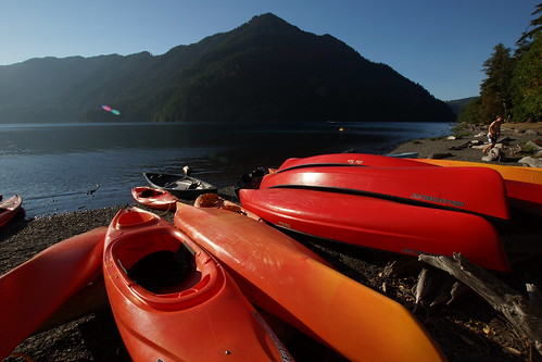 093_Olympic NP_072913_Canoes at Lake Crescent Lodge