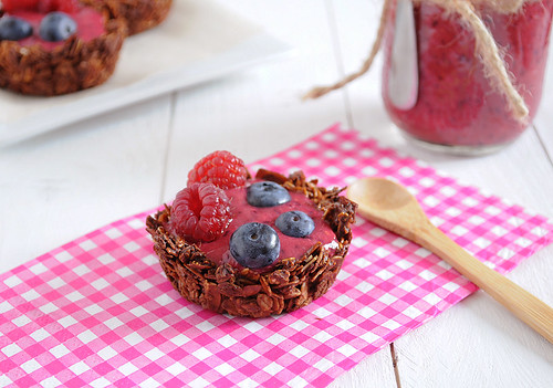 Nutella Granola Cups filled with Berry Smoothie