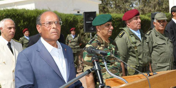 President Moncef Marzouki and Military Personnel in Kasserine, July 2013. Image courtesy: Tunisian National Army Facebook Page