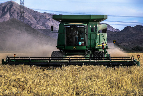 arizona unitedstates farming goodyear johndeer estrellamountains graincombine
