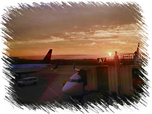 sunrise airport delta dtw iphone iphoneprocessediniphoto